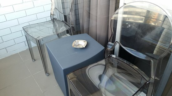 Punthill Brisbane : Balcony. Yes, that's an ashtray!