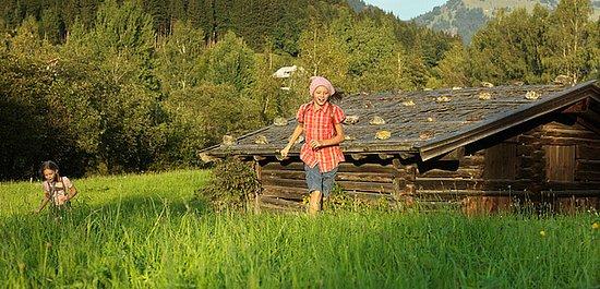Österrike: Promenad längs Schwarzsee