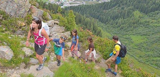 Österrike: Vandring med blick över St. Anton