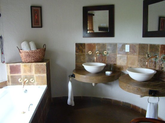 Kwa Madwala Private Game Reserve, Νότια Αφρική: Chalet Bathroom
