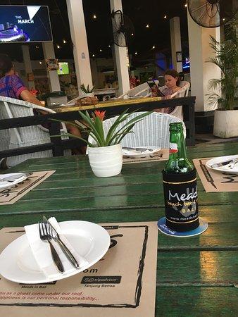Meads Beach Bar & Grill: photo0.jpg