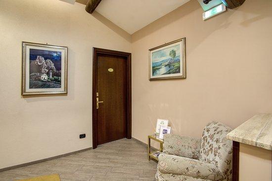 Hotel Roma Tiburtina Photo