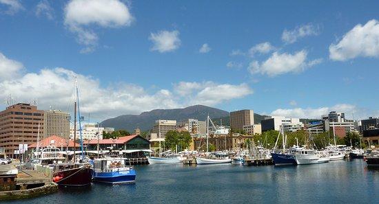 Sullivans Cove: Quayside at Hobart