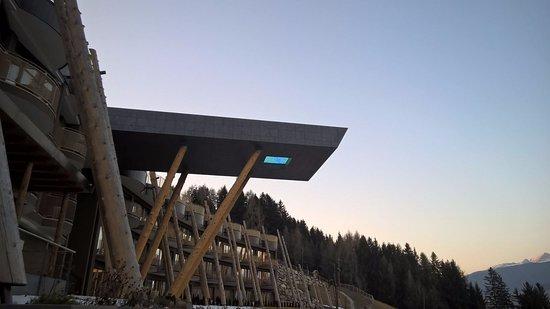 piscina sospesa foto di alpin panorama hotel hubertus