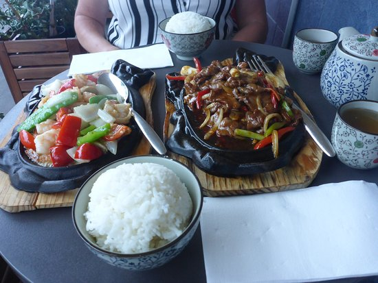 Dragon Bay Asian Fusion: Seafood & Sizzling Beef + Boliled Rice
