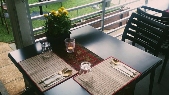 Moorooka, Australia: Although we specialise in take away - we  do have the option to dine in....