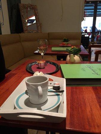 فلاندرز الغربية, بلجيكا: Leuke eetgelegenheid.  Enkel koffietje besteld maar de 'plats' die werden opgediend zagen er vee