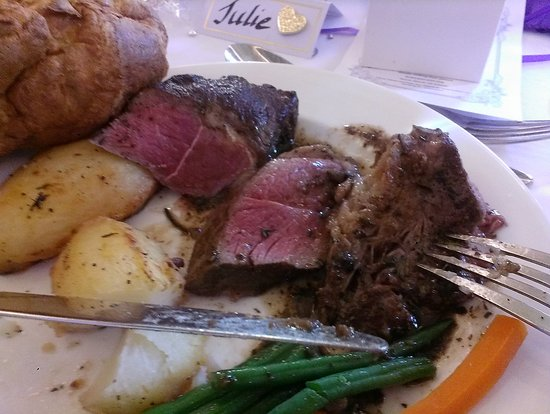 Macdonald Elmers Court Hotel & Resort: The Bride's undercooked beef, that she couldn't eat.