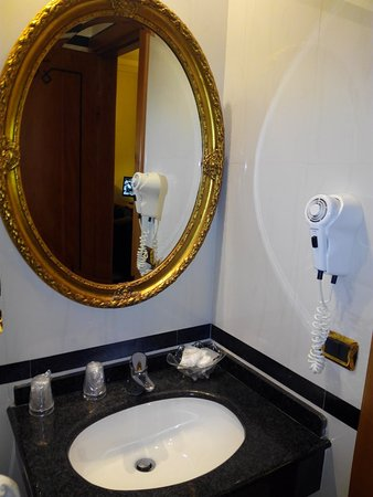Hotel Regio: Lavabo