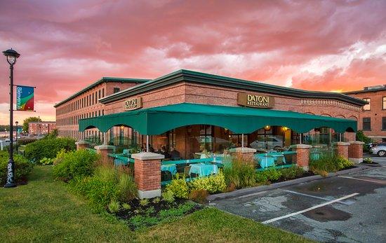 Restaurant da toni sherbrooke menu prices restaurant for Restaurant exterieur