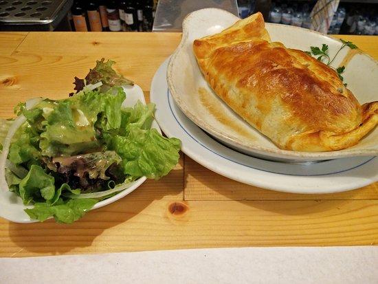 Restaurante Pombeiro: Folhado de frango delicioso à Pombeiro