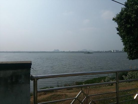 Lake adjoining the Sri Bhadrakali temple Warangal