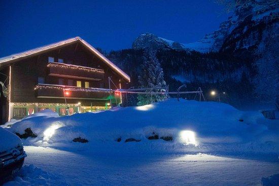 Klöntal, Suiza: Bitterkalt aber wunderschön