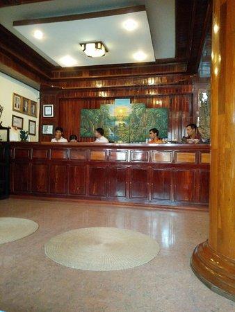 Angkor Pearl Hotel: Hotel reception
