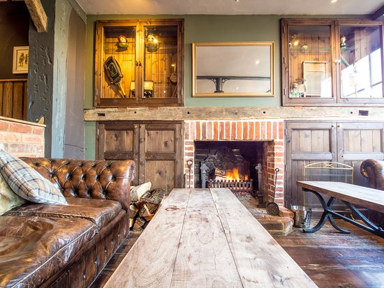 Wisborough Green, UK: Fireside seating