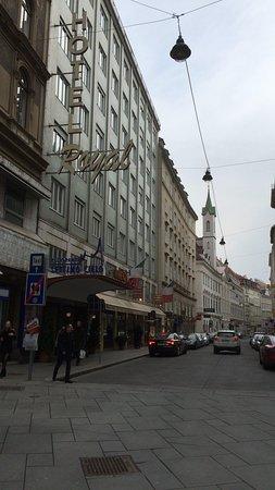 Hotel Royal: ホテルの外観
