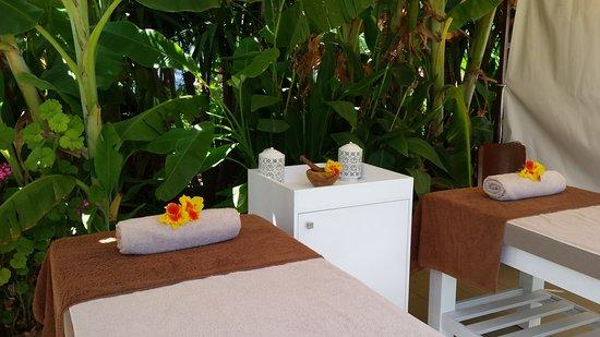 Bali Resort Day Spa - Outdoor Massae