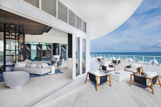 W Fort Lauderdale: Living Room Terrace