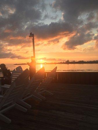 Utila Lodge: Dock View