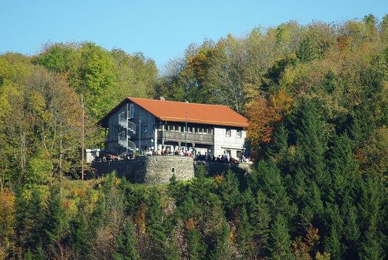 Hilders, Germany: Die Enzianhütte zu Beginn des Herbstes