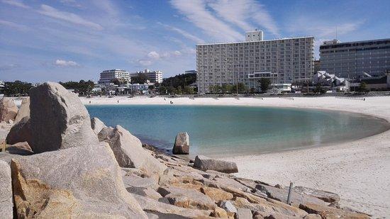 Shirahama Beach: the beach