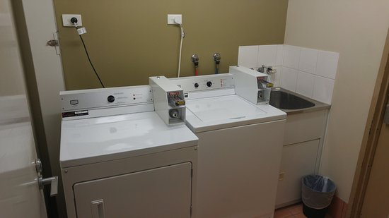 ibis Brisbane: Laundry Room