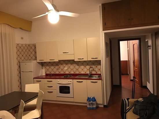 Appartamento con 2 camere da letto, soggiorno con cucina ...