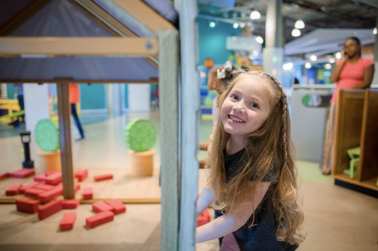 Mississippi Children's Museum: Build a house