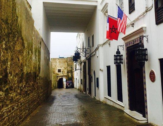 La Tangerina front door, under the flags.