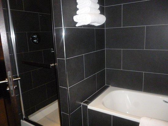 Loughrea, Irlandia: Brilliant shower