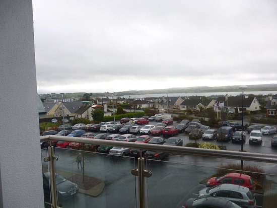 Loughrea, Irlandia: view from balcony.