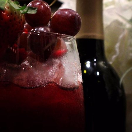 Mountain City, TN: Mouth watering Sangria made from the local Watauga Lake Winery