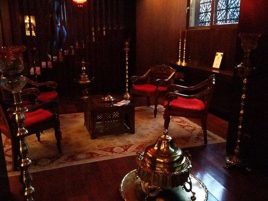 Burckin Suites Hotel: Стильное лобби
