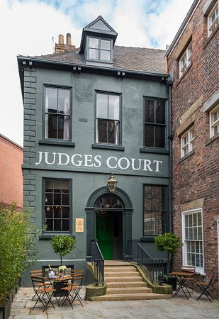 Judges Court Hotel