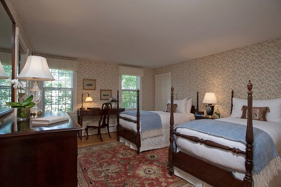 Twin Bedded Room, Jared Coffin House
