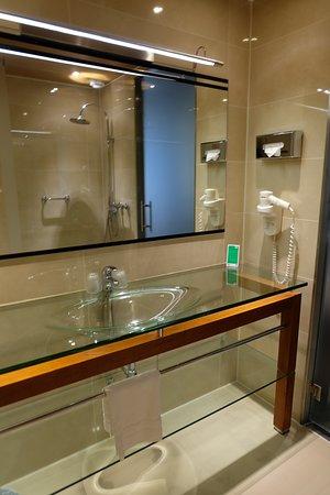 WestCord WTC Hotel Leeuwarden : Glass sink