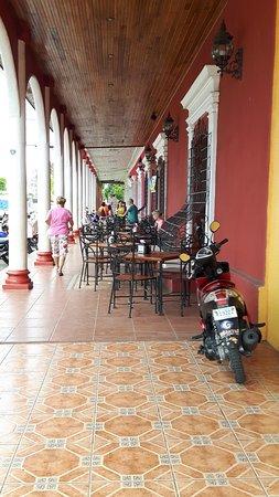 Rivas, Nicaragua: Gezellig buiten zitten met goed eten