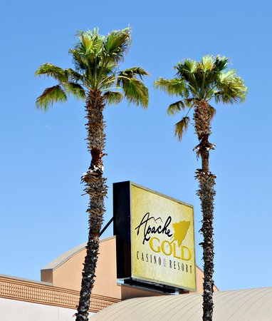 San Carlos, AZ: Apache Gold Casino sign.
