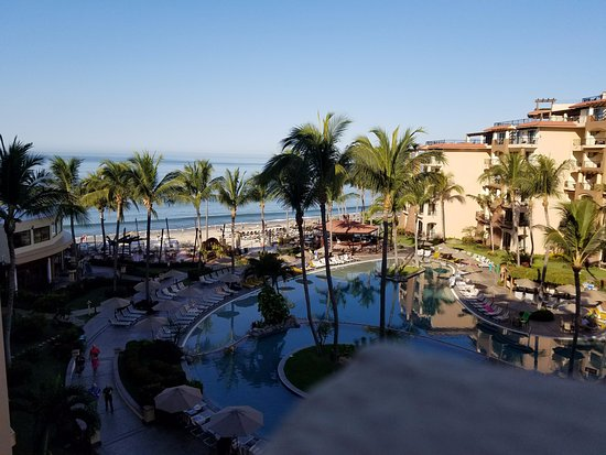 Villa del Palmar Flamingos: This photo is taken from our balcony on the 5th floor of building 1.