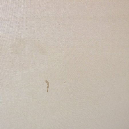 Lindos Blu: Dribble on bathroom blind