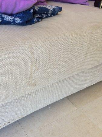 Lindos Blu: Marks on sofa