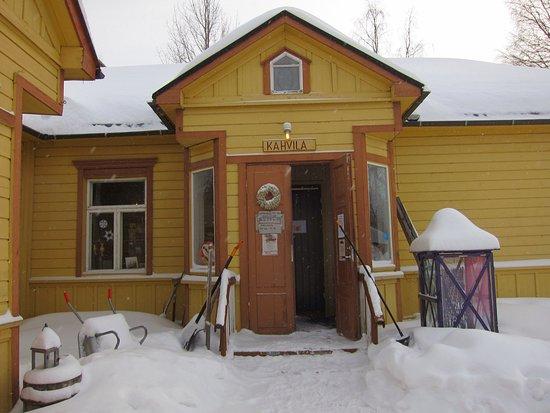 Taivalkoski, ฟินแลนด์: Ein Geschäft aus einer anderen Zeit! Und doch stellt man fest, dass es sehr aktiv genutzt wird u