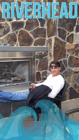 Bistro 72: Enjoying the outdoor fireplace
