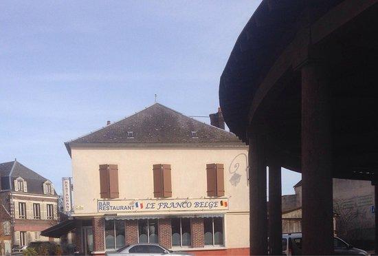 Ervy le Chatel, França: Hôtel Café Restaurant Franco Belge