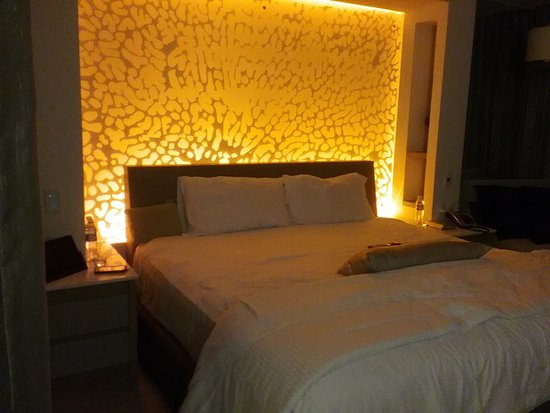 ambient lighting - Picture of Breathless Riviera Cancun Resort ...