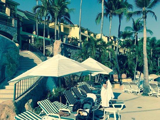 Camino Real Acapulco Diamante : Muy linda vista desde la bahía