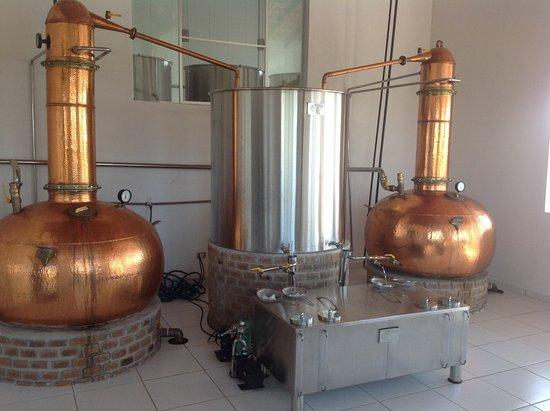 Torre de Pedra, SP: Sala de destilação da Cachaça WIBA!