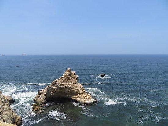 Emotion Tour Peru: la cattedrale, frammento roccioso distaccatosi in recente terremoto