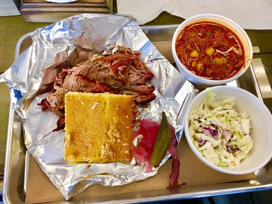 Benson, Carolina del Norte: Our pulled pork plate