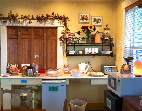 Wheeler, OR: Each guest is welcome to an extended Continental Breakfast as part of their stay with us.